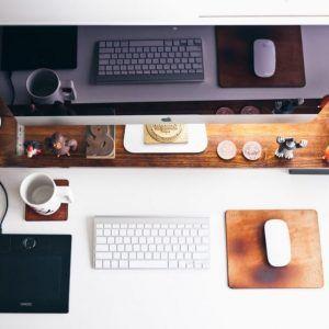 imac-on-desk
