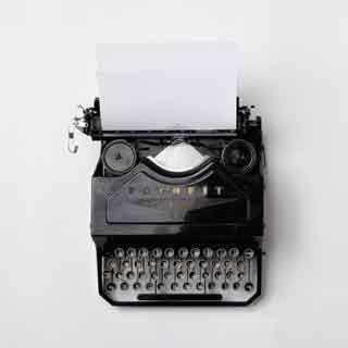 black-typewriter